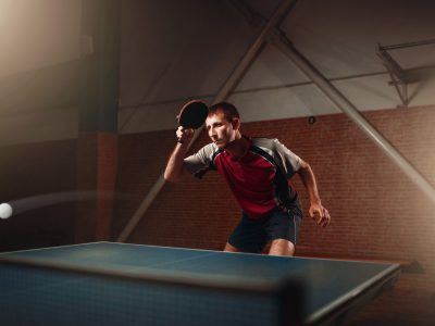 table-tennis-player-in-action-ball-with-trace-PD98UVZ (1)